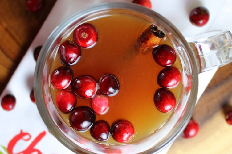 Warm Cranberry Apple Hard Cider