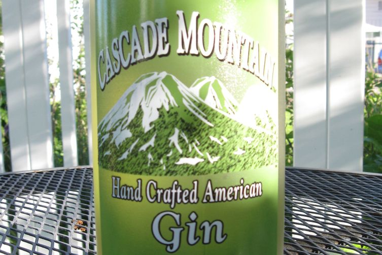 Grown-Up Gin-ger Ale