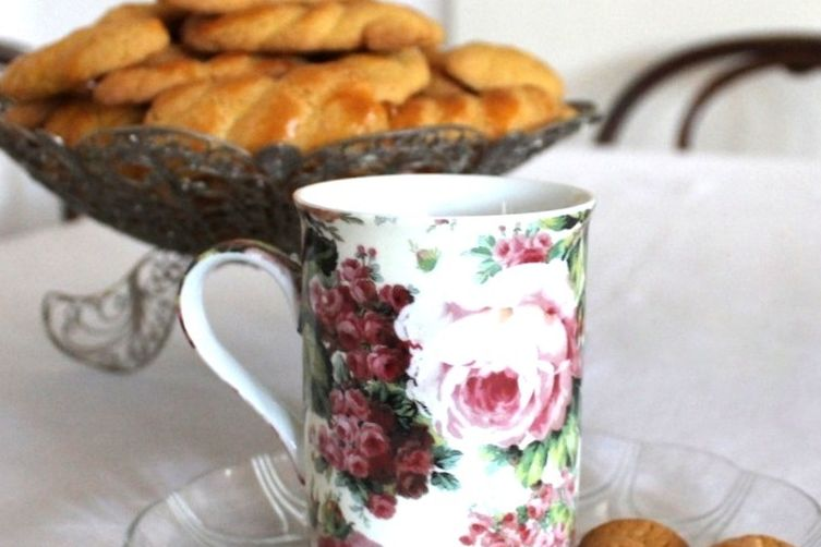 Koulourakia - Greek Traditional Easter Cookies