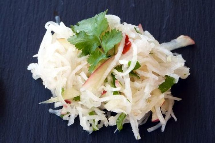 Radish Apple Salad with Chili