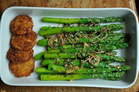 Thai-Inspired Asparagus Salad