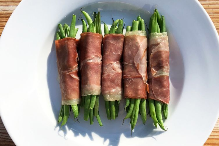 Prosciutto-Wrapped Green Beans