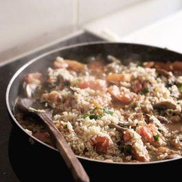 Sautéed mushrooms and tomatoes with tuna