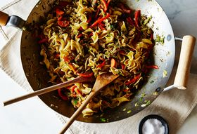 0f166e35 a253 4ea5 a40f d1f849909431  2015 0623 jerk spiced chicken hakka noodles james ransom 020