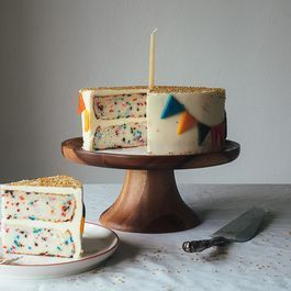 How to Make a Funfetti Cake from Scratch
