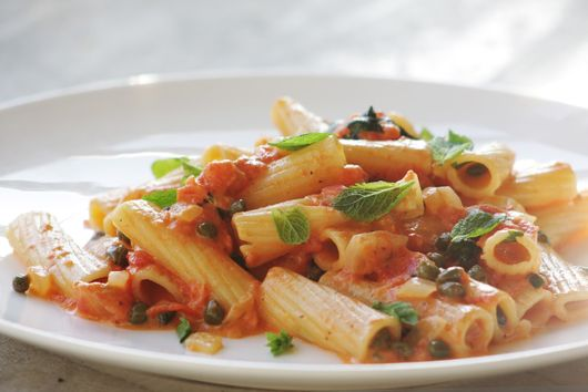 Rigatoni with capers and mint