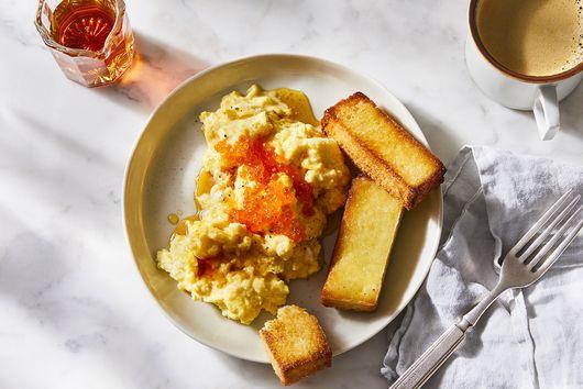 Weekend Scrambled Eggs