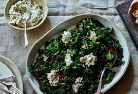 F6d533d8 4cec 473d a29b 770960371b09  2017 0117 genius ottolenghis burnt green onion dip with curly kale james ransom 471