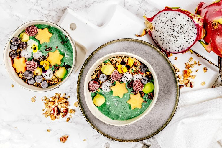 AVOCADO AND MELON SMOOTHIE BOWL