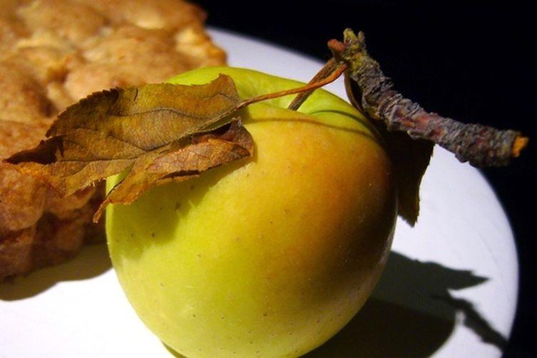 Easy-as-Pie Apple Cake