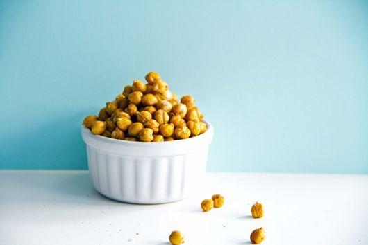 Roasted chickpea snack