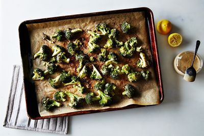 9848a691 421c 4692 b6ac 5ba9f29c5288  2015 0825 broccoli roasted with tahini garlic and lemon bobbi lin 8921