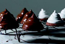 6694d018 6d4f 4ad8 b40d ad915b492b55  chocolate glazed shmallow grahams c jennifer may