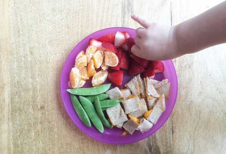 This is the One Thing to Keep in Mind When Feeding a Toddler