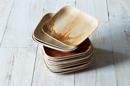 Compostable Dinnerware From Fallen Leaves (Set of 25)