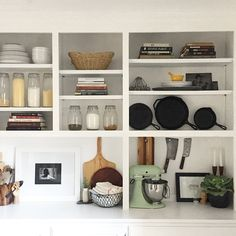 2 Ways to Use Built-In Shelves for Storage That's Also Decor