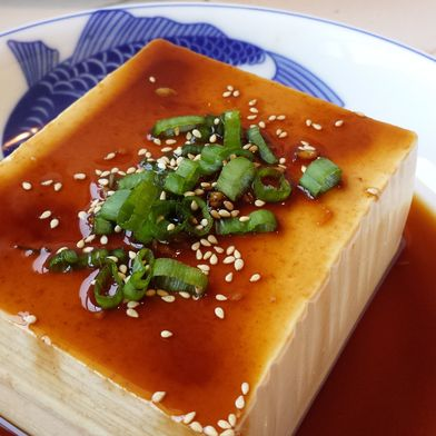 Japanese Chilled Tofu (冷奴 - Hiyayakko Tofu)
