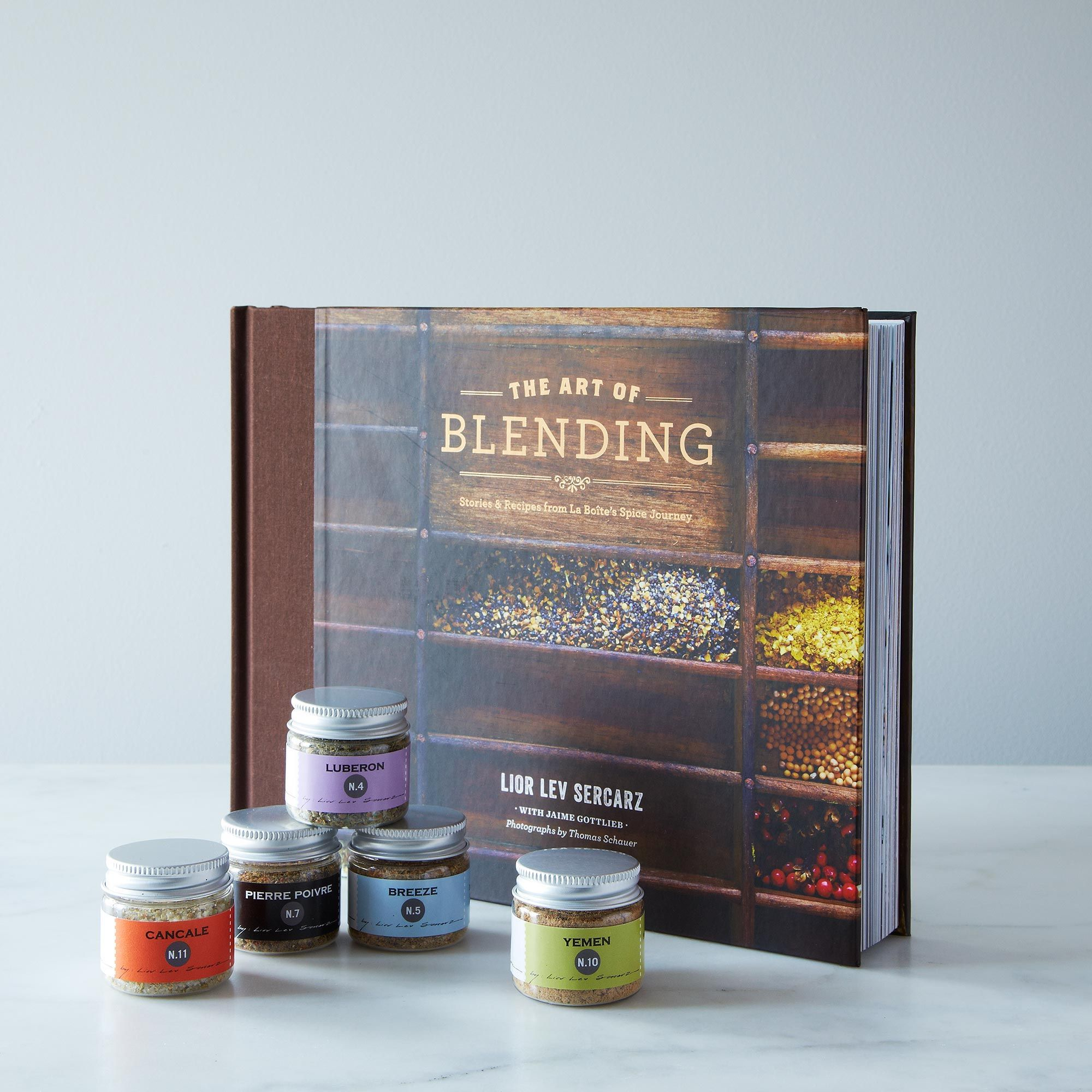 E4168310 c031 40a4 a06c eb7766899241  2013 0529 la boite a epice the art of blending book 5 spice blends gift set 007