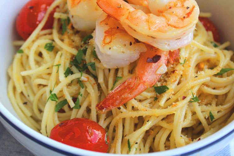 Spaghetti with Lemon, Shrimp, and Bread Crumbs