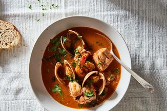 264e9e7d fad8 456a b3d2 f7210a97e6fd  2016 1011 how to make seafood stew without a recipe james ransom 395