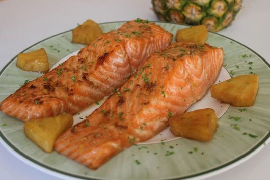Baked Salmon with Citrus Juices