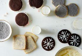 30202adb 6b55 4fd2 8d4f ca9e80b32d09  cookie decorating food52 mark weinberg 14 11 21 0600