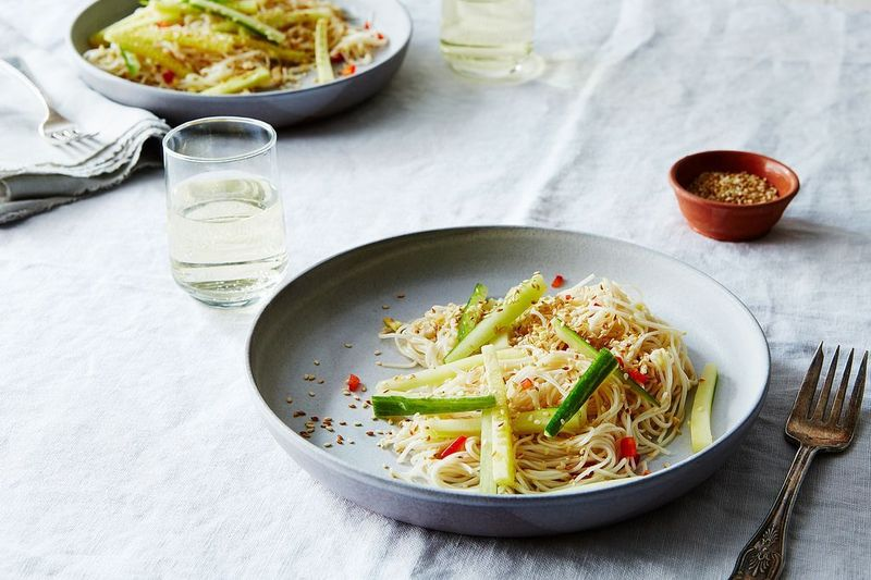 Simple Sesame and Garlic Noodles