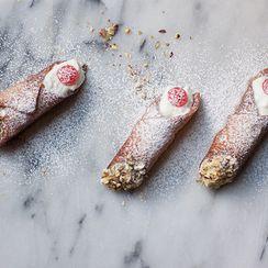 How to Make Homemade Sicilian Cannoli