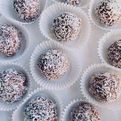 Chocolate Paleo Treats With Coconut