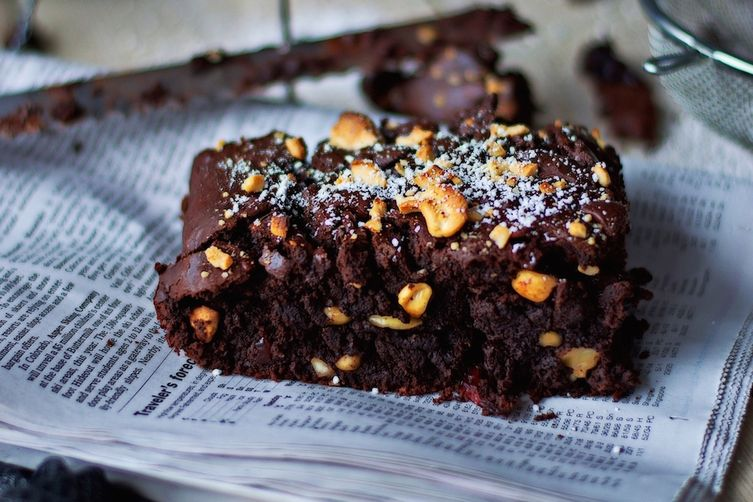 Salted-Cashew Orange-Cranberry Brownies