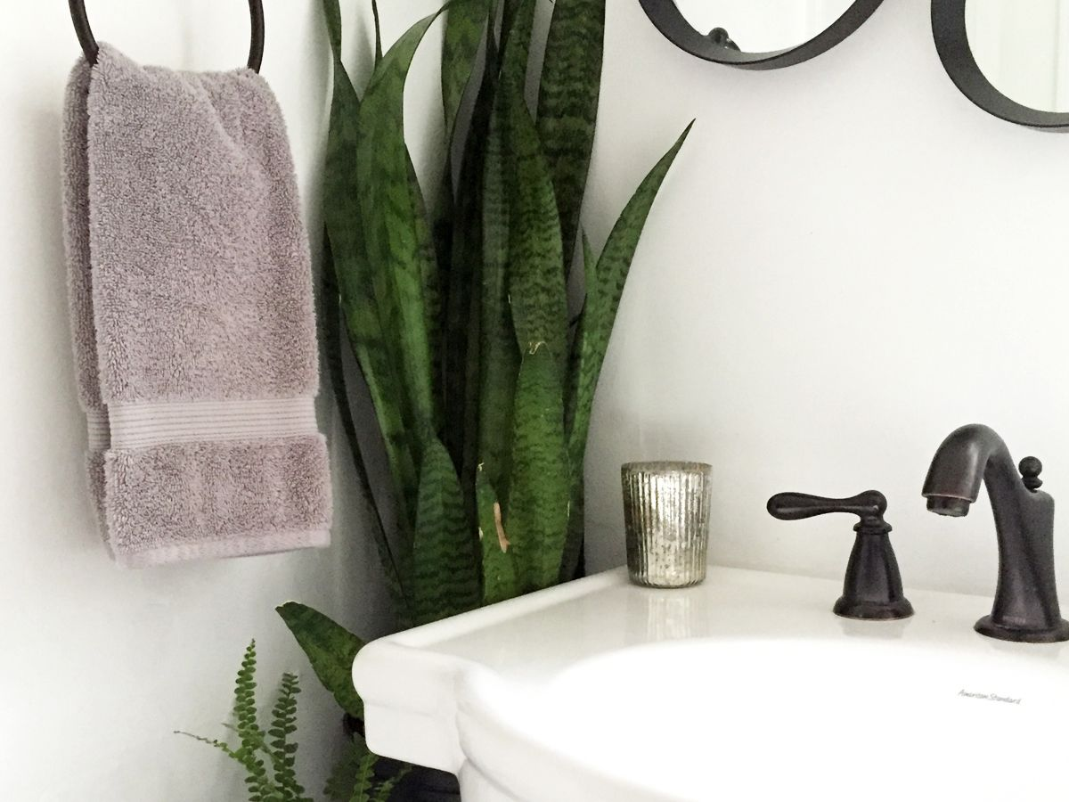 A Diy Tiny Bathroom Makeover On A Budget Before And After - Tiny-bathrooms