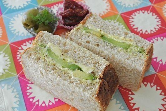 Creamy Avocado and Brie Sandwich