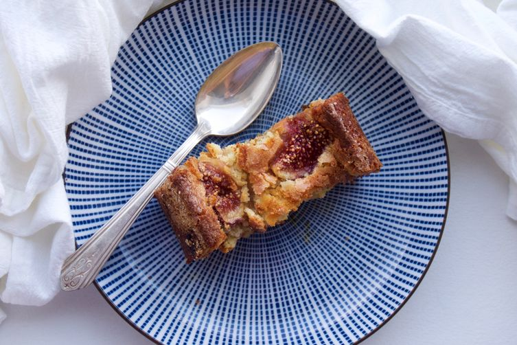 Fig, almond and ricotta cake