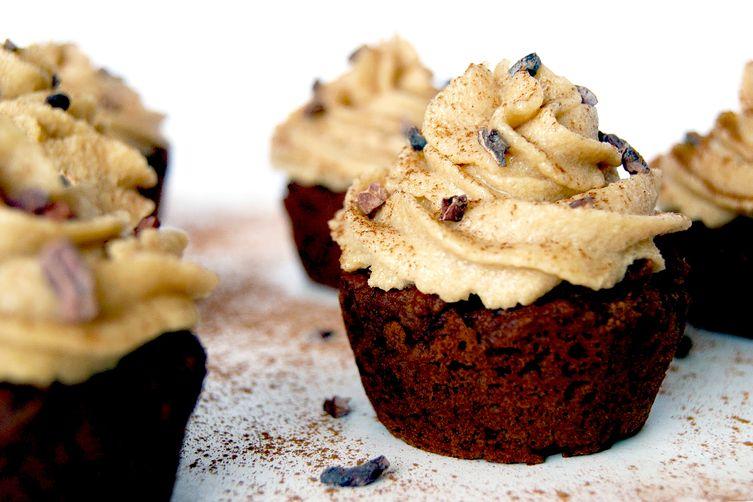Dark Chocolate Pumpkin Cupcakes + Creamy Cashew Icing