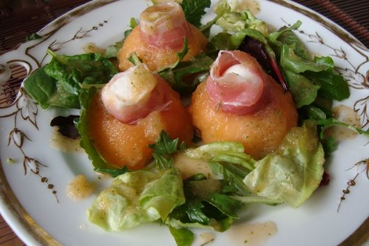 Melon, Prosciutto, and Mozzarella Appetizer with a Mint Melon Dressing