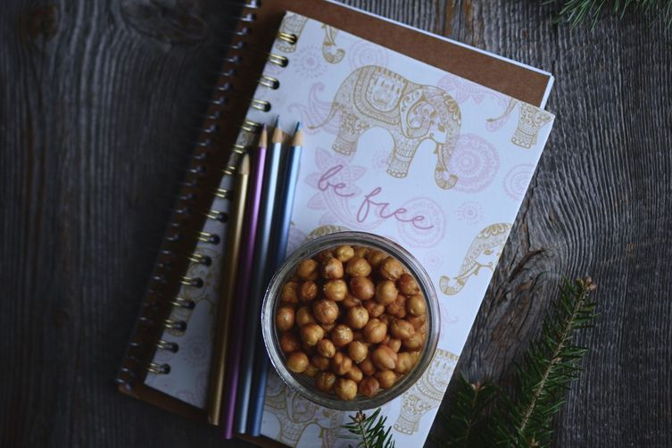 The Easiest and Cheapest Roasted Chickpeas Recipe