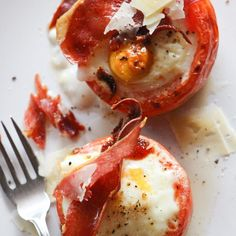 Tomatoes with Baked Eggs and Crispy Proscuitto