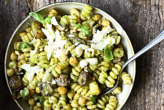 Buttery Mushroom & Chickpea Pesto Pasta