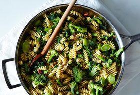 Db669967 019e 402a bc7e fe38622acca6  2014 0318 genius broccoli pasta 014