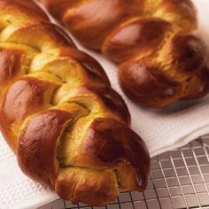 """""""Tsoureki"""" (Greek Easter Bread)"""
