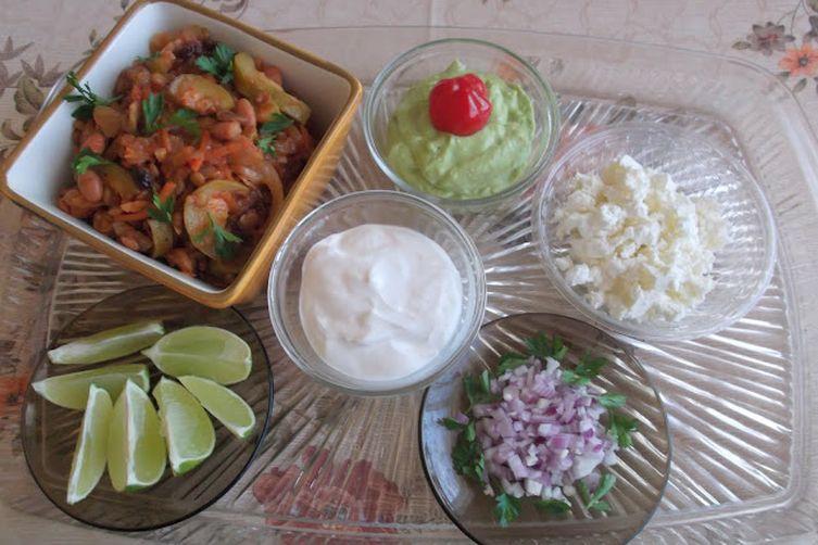 Meatless Zucchini, Mushroom and Sauerkraut Chili