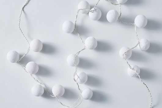 White String Ball Light Strand