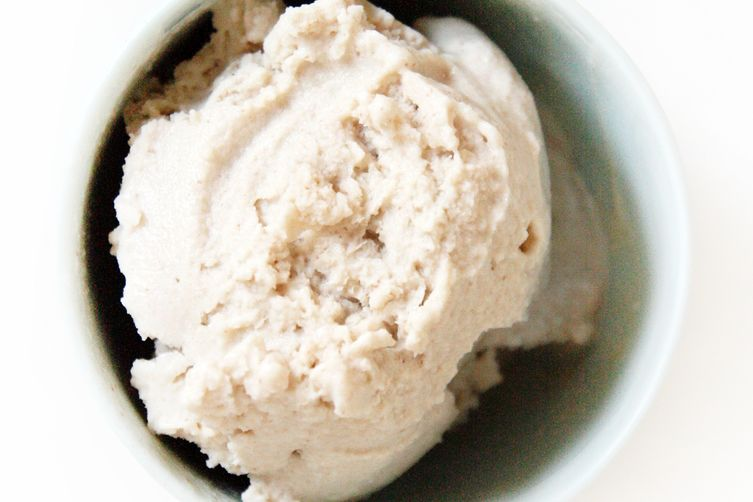 Date and Honey Coconut Ice Cream