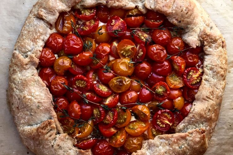 Cherry Tomato Galette with Cheddar-Thyme Crust
