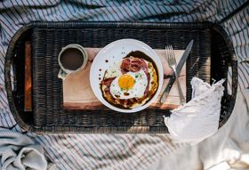 Grits with Red Eye Gravy, Country Ham, and a Fried Egg