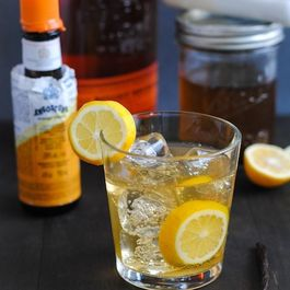 01f313cc-912d-4d63-a054-d411b399373f--meyer_lemon-vanilla_bean_bourbon_smash1