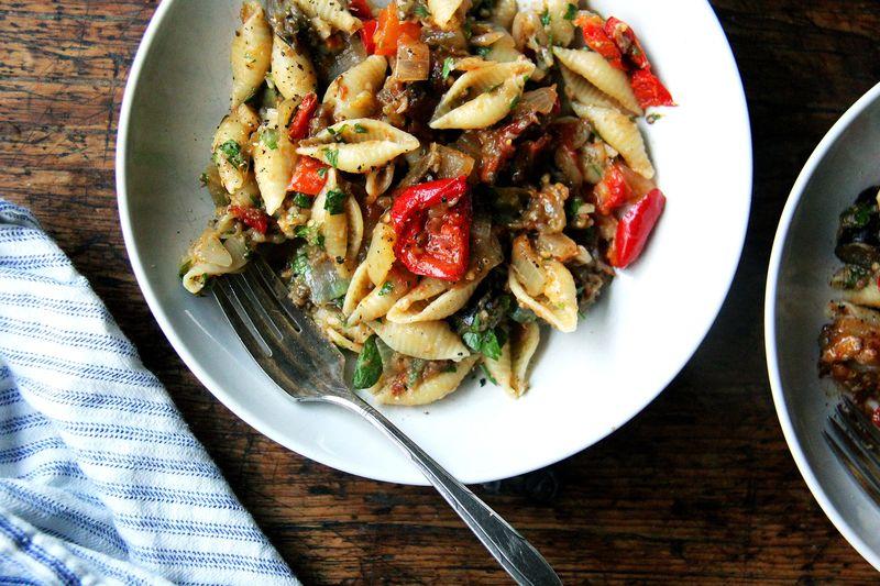 It's summer's favorite pasta sauce.