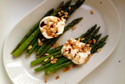 Asparagus with Burrata Cheese and Pine Nuts