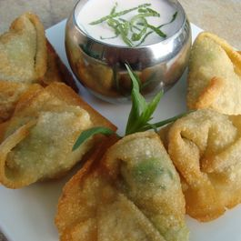 61fe1659 eb1a 4189 817c 982c8b0f9ee3  crab and avocado wontons