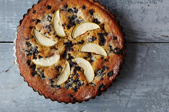 A120b78c-5494-43a7-aeda-a508a5c4207d.2014_1202_apple-prune-farmhouse-tart_2164